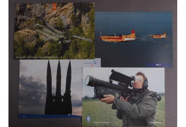 Land- en luchtmacht spullen (oa posters, kaarten, kalender) - DSCN0389_637340532269149030.JPG