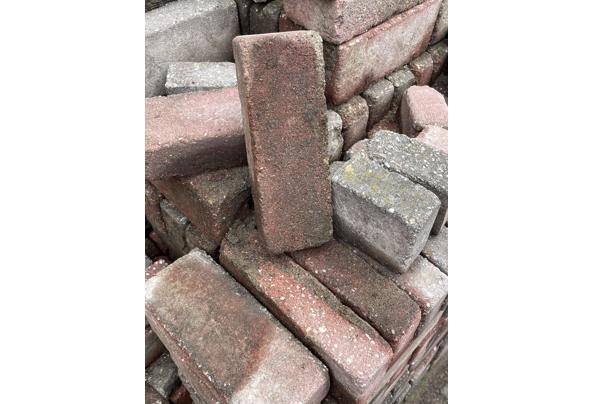 Stenen gratis af te halen - 50677F92-8E3E-4B3E-9A1A-AD595ED3DFFF