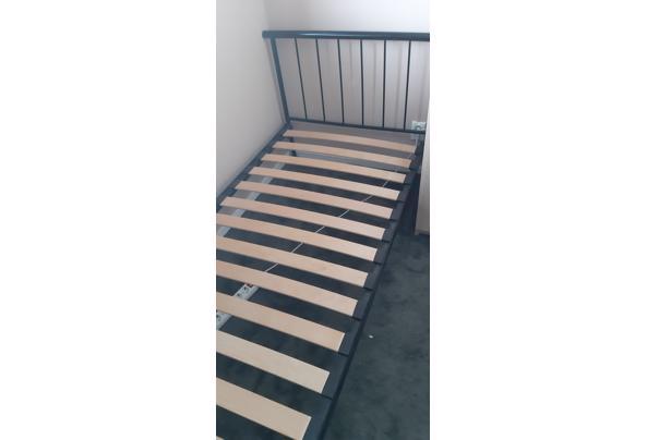 Bed 90x200 cm zwart  met lattenbodem - 20210627_112019