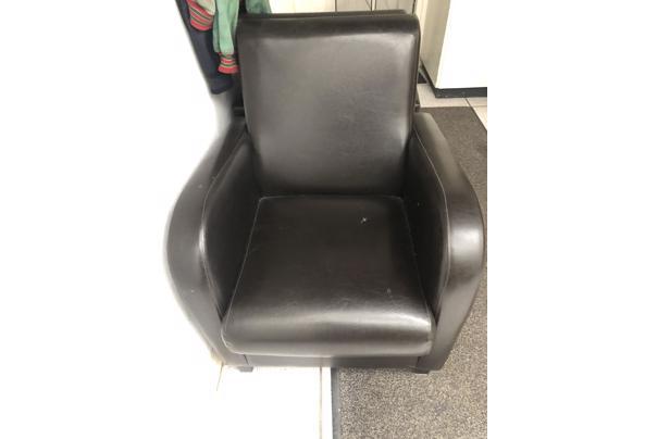2 stoelen gratis af te halen Heteren - E77D0956-9BD0-4F59-B922-868A8AA1683C.jpeg