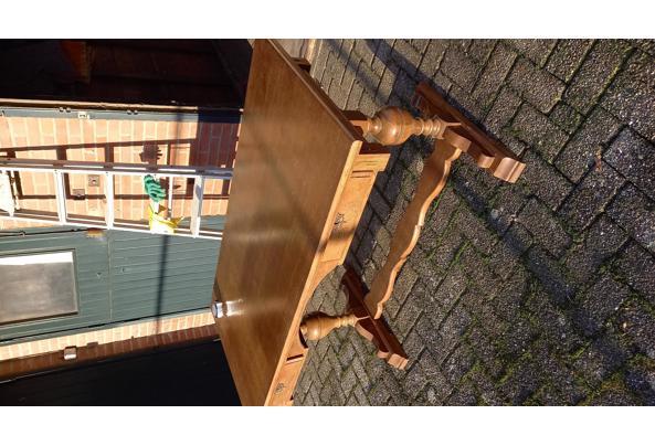 zware houten buro met 2 laden - IMG-20201204-WA0002_637476255584200666