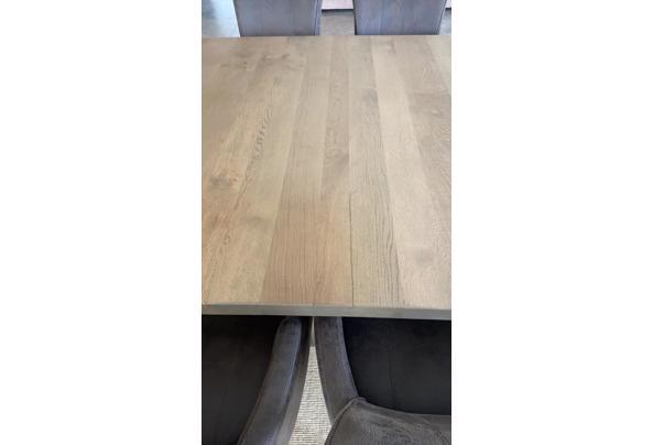 Eettafel. 160x 160 cm hout - ECD57844-F4A6-43FC-B31A-5D9B7ECD71FA