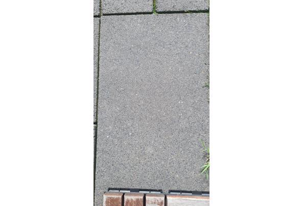 Betonnen tegels antraciet - 20210519_174903