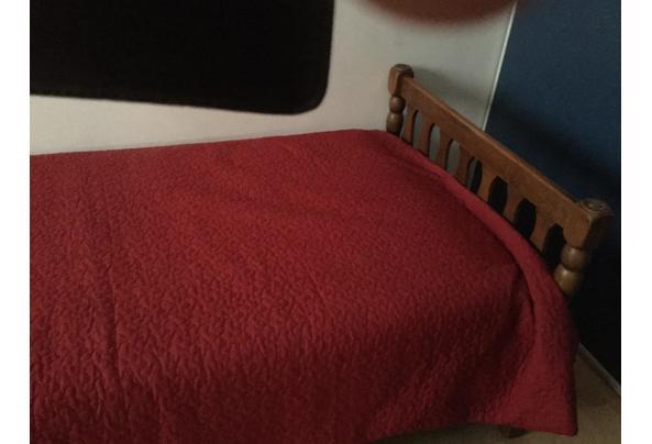 Zeer degelijk bed met goed matras - 39570877-8654-448E-9AFB-B35F1A5D706D
