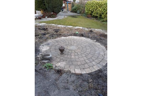 Stenen voor cirkel (2x 2,60m) - 20210315_161326