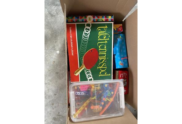 Doos met diverse spellen/ puzzels - DDB3B2AC-2253-4CC0-80B1-42A959668053