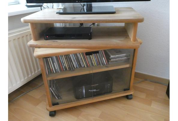 Meubel voor tv en radio - P1020092