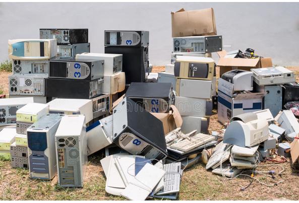 gezocht oude computers Voor mijn hobby - 2518363A-9E52-4277-8A53-2B8BC8187D7A.jpeg