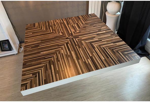 Vierkante houten tafel - 7CE83672-6A5E-4EA9-9E65-A0A66837C929.jpeg