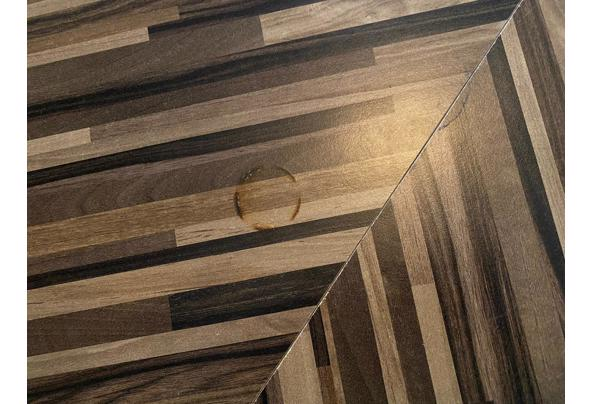 Vierkante houten tafel - B9C1E1A6-7449-4FB8-B8DF-F0C470FD4BA9.jpeg