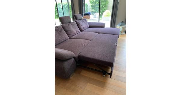 Loungebank in goede staat 320 x180 en uitklapbaar