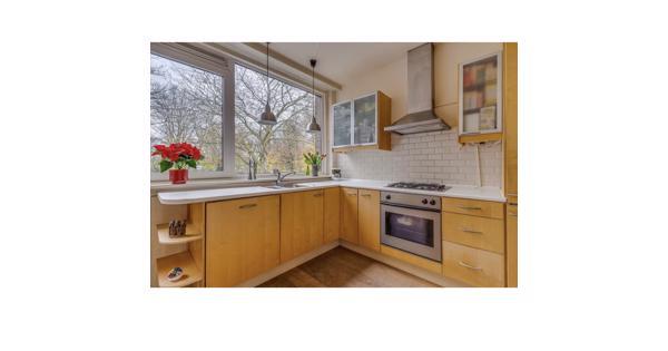 Keuken + apparatuur (30 april en 1 mei ophalen)
