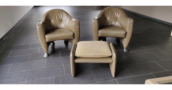 2 Leolux fauteuils met voetensteun