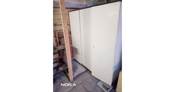 Kast - 3 deurs - voor opbergen materialen