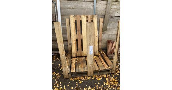 2 houten pallets gratis af te halen
