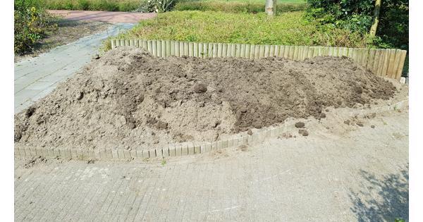 Zwarte grond 2,5 m3