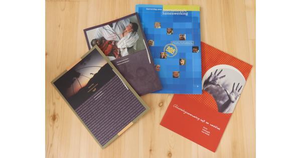 Jaarverslagen ontwikkelingssamenwerking 1998 - 2000