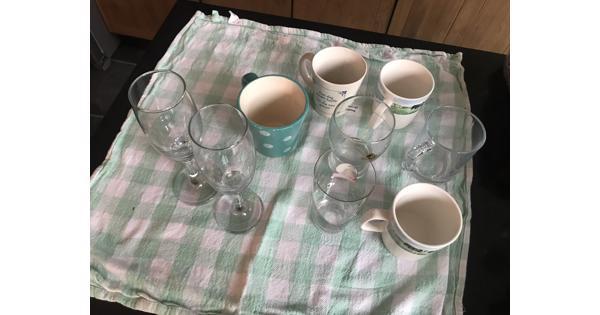 Collectie glazen en bekers