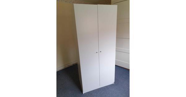 2-deurs witte linnenkast