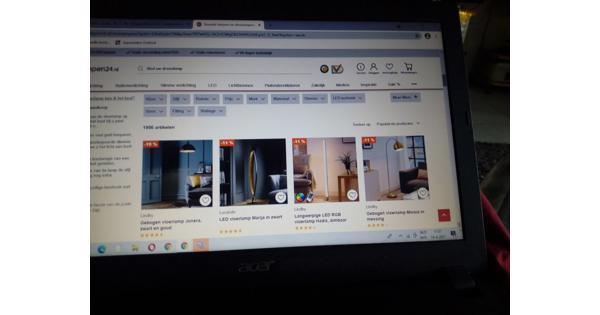 Zoek gratis staande lamp  en plafond lamp v iemand Den-Haag