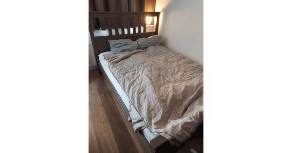 Donder houten bed van 1.40 bij 2.00