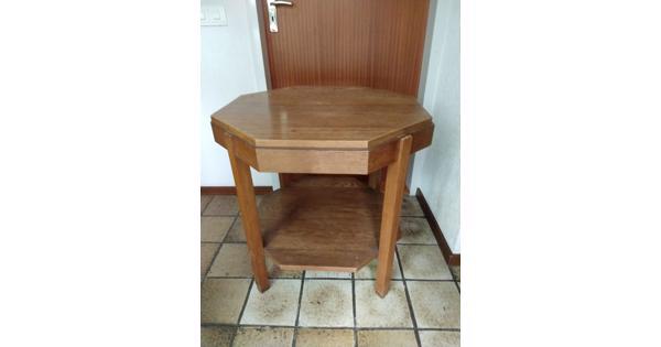 Achthoekig tafeltje, eikenhout