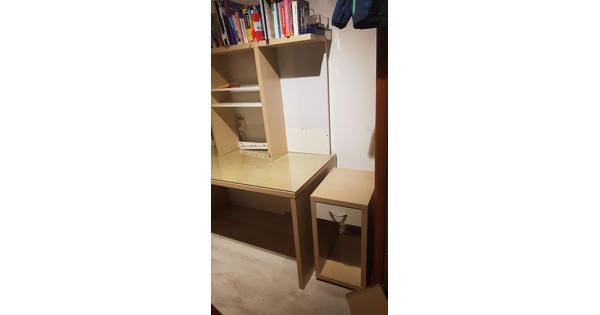 Bureau met kastje