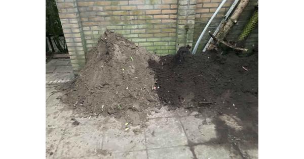 1-2m3 Tuingrond / Zand en zwarte grond