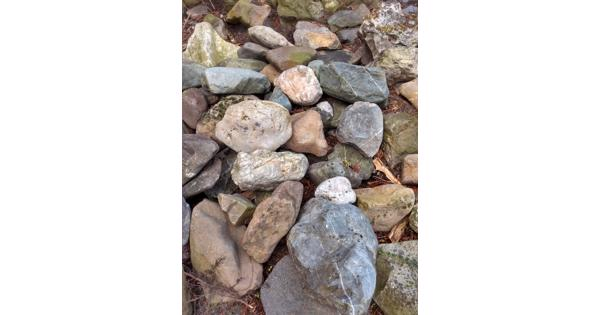 Stenen divers bijvoorbeeld voor rotstuin