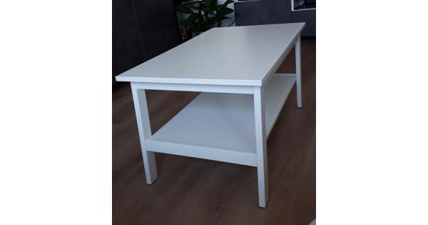 Witte salontafel met onderblad