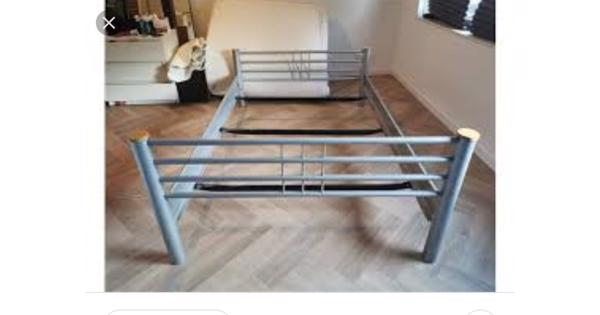 Bed frame 90 * 210cm zwart 1 persoon