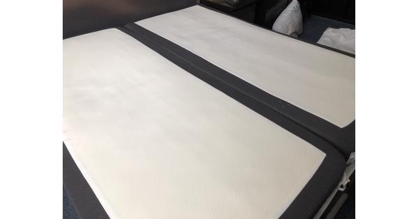 2x matras 90 x 200 cm in prima staat. Wegens aanschaf nieuw bed