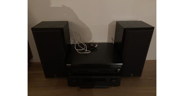 Tuner-versterker met CD-speler en 2 boxen