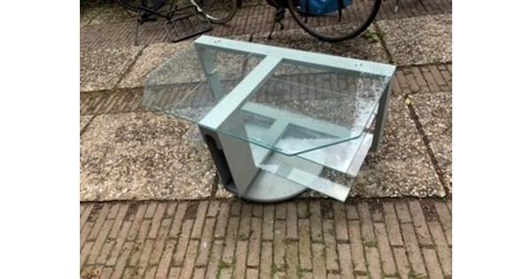 Draaibaar glazen televisie meubel