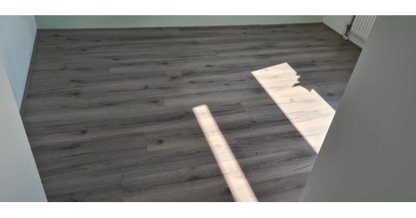 ca. 25-30m2 (easy) Kliklaminaat grijs eiken