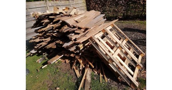 sloophout, brandhout ongeveer 1,5 - 2 m3