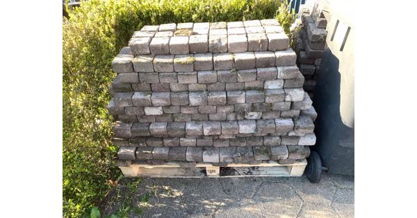 25m2 koppelstones 10x10 bont op pallets