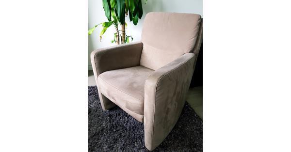 Zitstoel/Fauteuil. Comfortabele stoel, in goede staat.