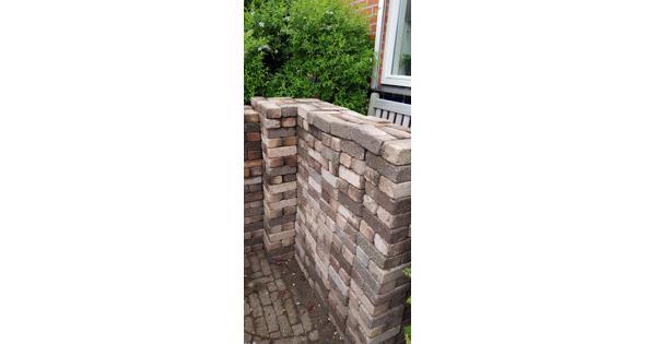 13m2 gekleurde betonnen klinkers maat 15x7,5x5 cm.
