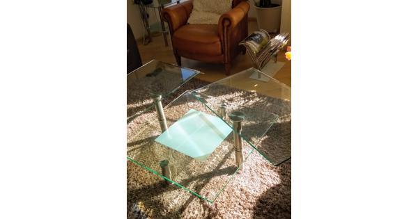 Salontafel met dubbel stevig glazen blad op 2 hoogten