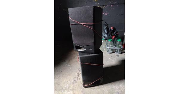 2x luidsprekers / speakers