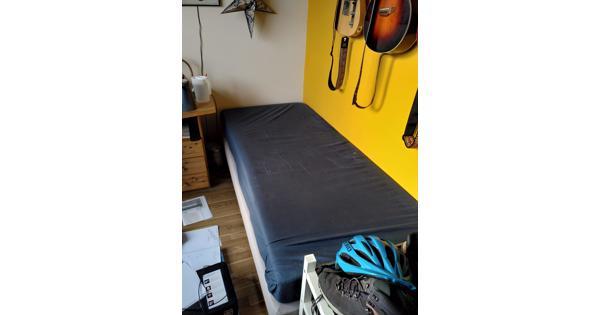 Eenpersoonsbed (onderstel + matras
