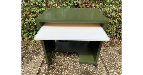Handig klein bureau voor computer