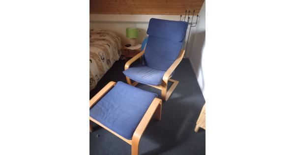 ikea relaxfauteuil met voetenbankje (blauw)