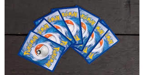 Gezocht : Pokemon kaarten, maakt niet uithoeveel