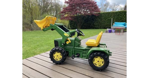 Trap tractor