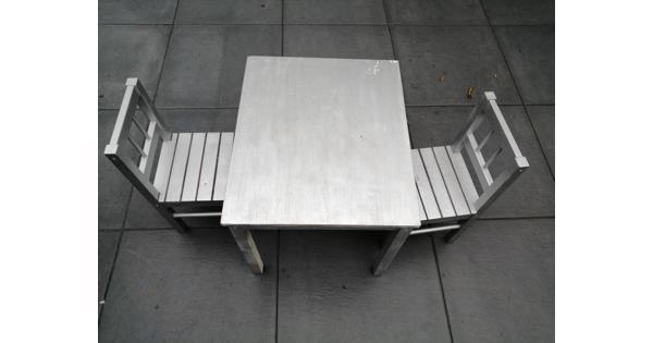 Ikea kindertafel plus 2 stoeltjes