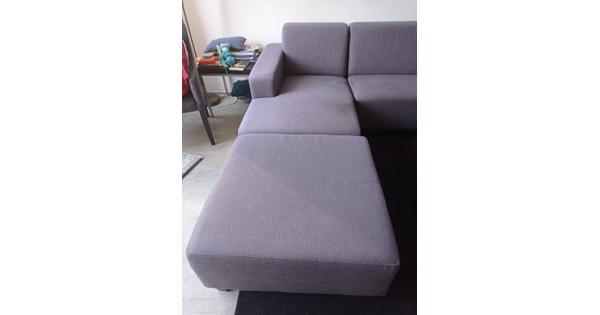 Hoekbank (2 losse onderdelen)  met stoel en hocker
