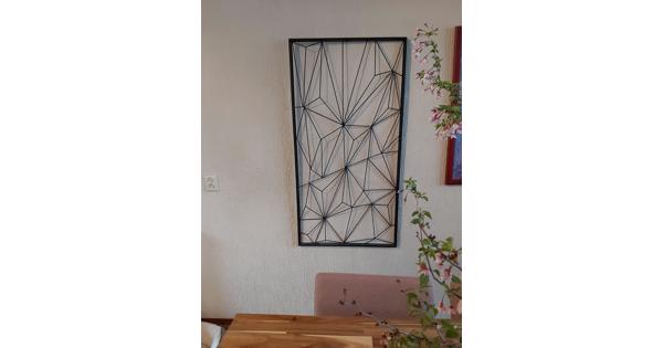 Metalen geometrische wanddecoratie