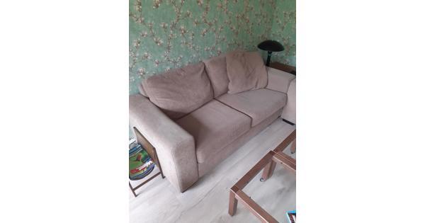 2 persoons bank en 1 stoel